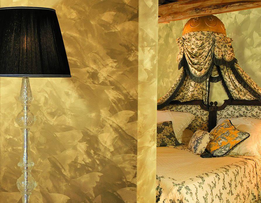 Effetto damascato oro sulle pareti di casa